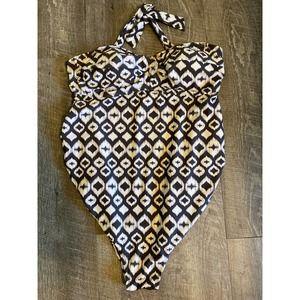 Liz Lange Maternity Bathing Suit M